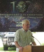 Robert Worrest, retiring CIESIN employee, is honored at CIESIN's Tenth Anniversary Party June 20.